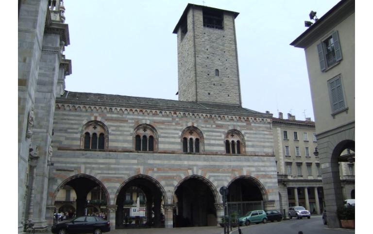 palazzo-Broletto-Como